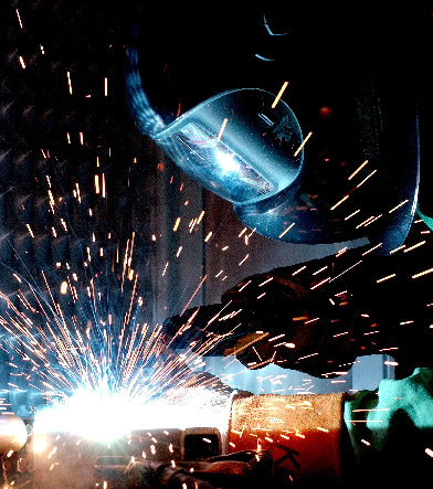 Conducting supervision and control of the welding work, the implementation of the requirements of the welding standards